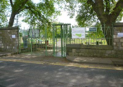green-dyke-lane-gates-2