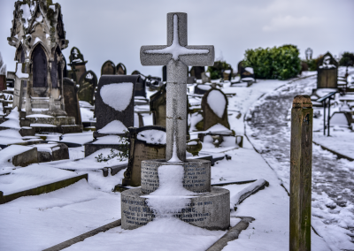 Pickering grave in the snow