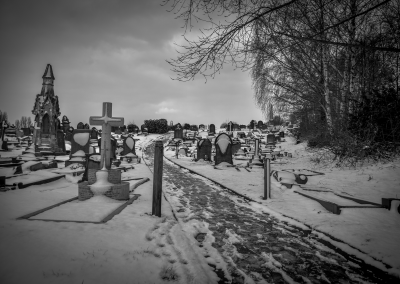 Pickering grave wide in the snow
